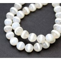 Dzi Agate Beads, Clear with White Stripe, 10mm Round
