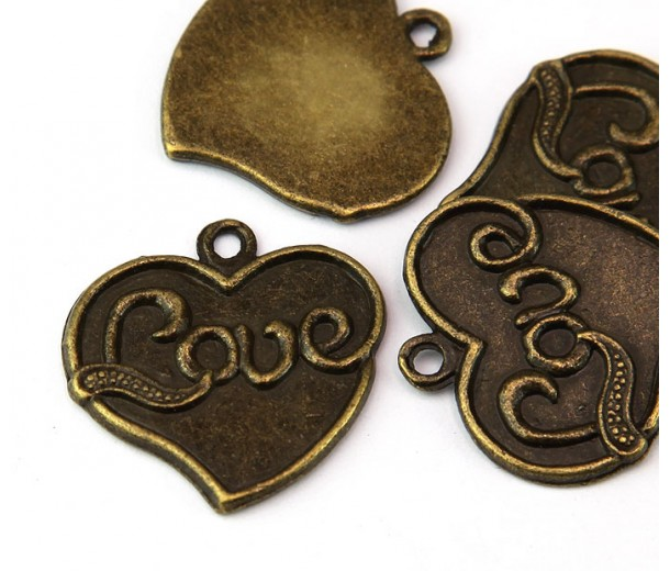 25mm Love Heart Pendant, Antique Brass, 1 Piece