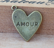 20mm Amour Heart Charms, Antique Brass