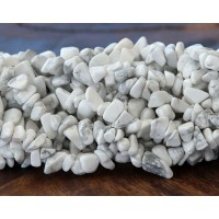 Howlite Beads, White, Medium Chip