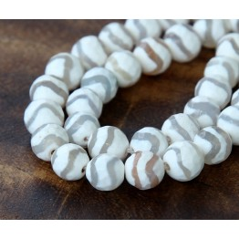 Dzi Agate Beads, White Wave, 10mm Faceted Round