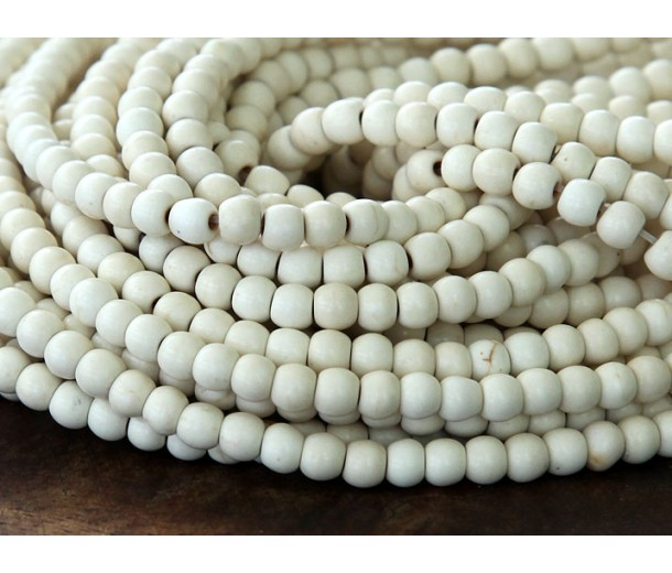 Howlite Beads, Cream, 4mm Round