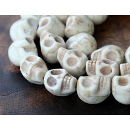 Howlite Beads, Cream, 12mm Skull