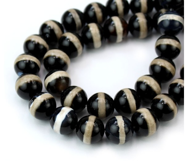Dzi Agate Beads, Black with Beige Stripe, 10mm Round