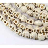 Howlite Beads, Cream, 9mm Skull