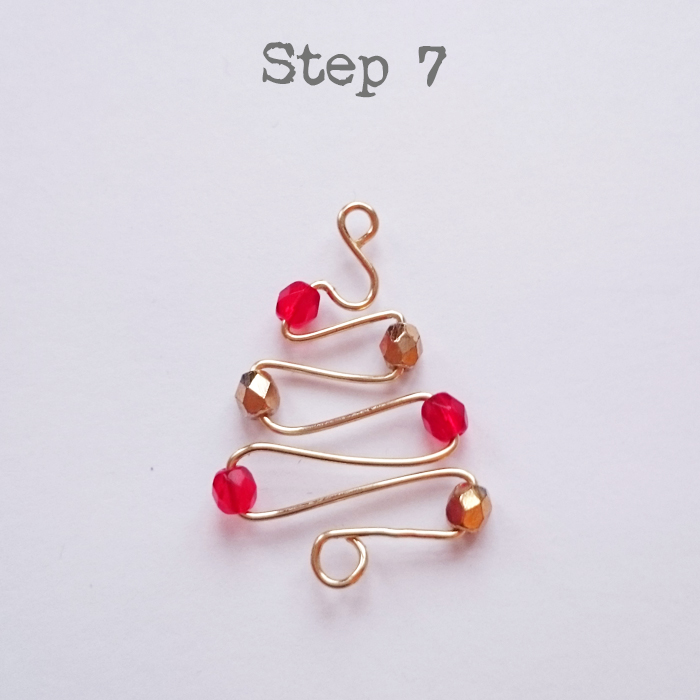 DIY Christmas Tree Earrings Tutorial | Golden Age Beads